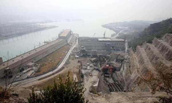 中国数百米钢柱埋入边境 印度急了!水源断绝