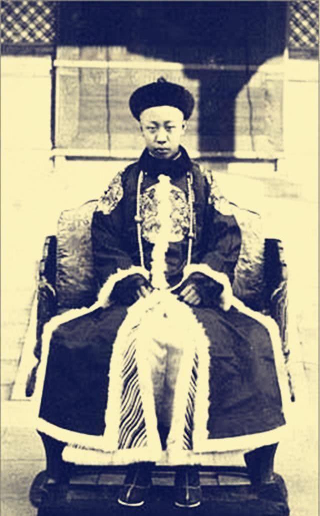 『皇帝』郭沫若为研究清史请溥仪当助手,溥仪回5个字,郭沫若悻悻而回