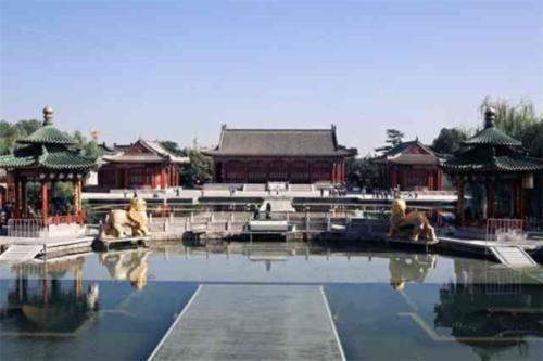 中国唯一一个没有机场的省会,曾8次更名,如今入选新一线城市