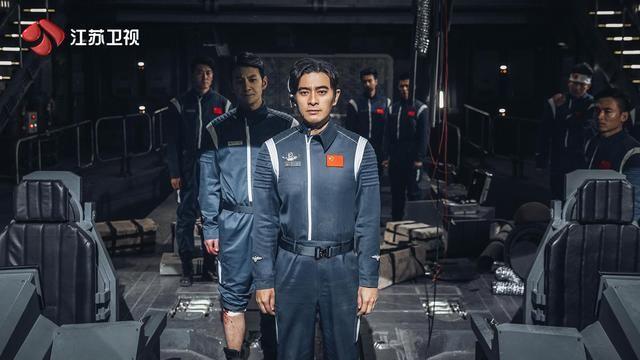 """为中国航天精神传递正能量,陈龙饰演航天员""""拯救月球"""""""