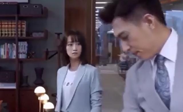 精英律师:袁泉霸气登场,随手一个动作直接秒杀靳东,栗娜都吓懵