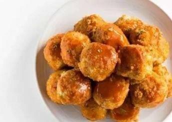 [虾仁]美食精选:土豆番茄素丸,剁椒脆鳝,鲜蔬虾仁披萨,韭菜炒豆芽的做法
