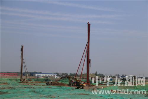 周口市百城建设提质工程观摩组到东新区观摩项目建设
