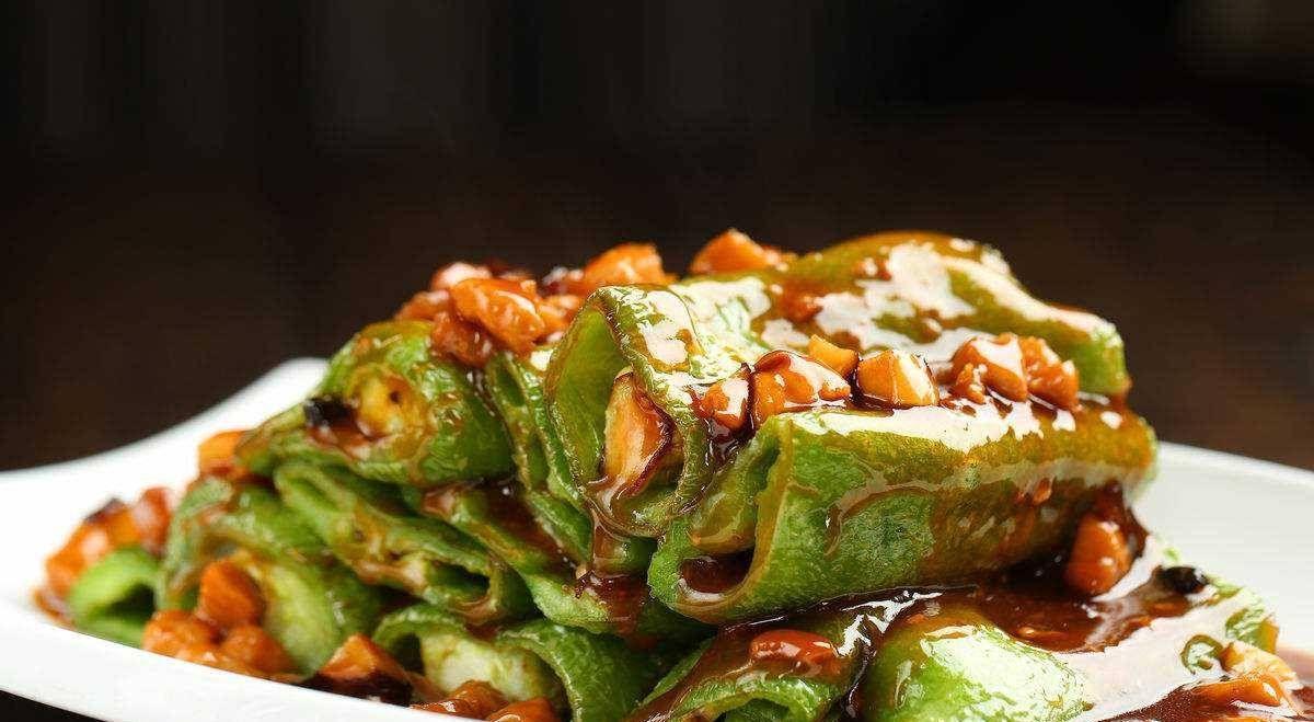 『家常菜』简单可口的虎皮尖椒,制作过程并不复杂,你也可以试试
