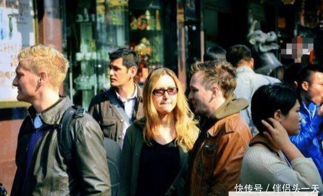 """日本人喜欢上海,黑人钟爱广州,如今又一城市被外国人""""盯""""上了"""