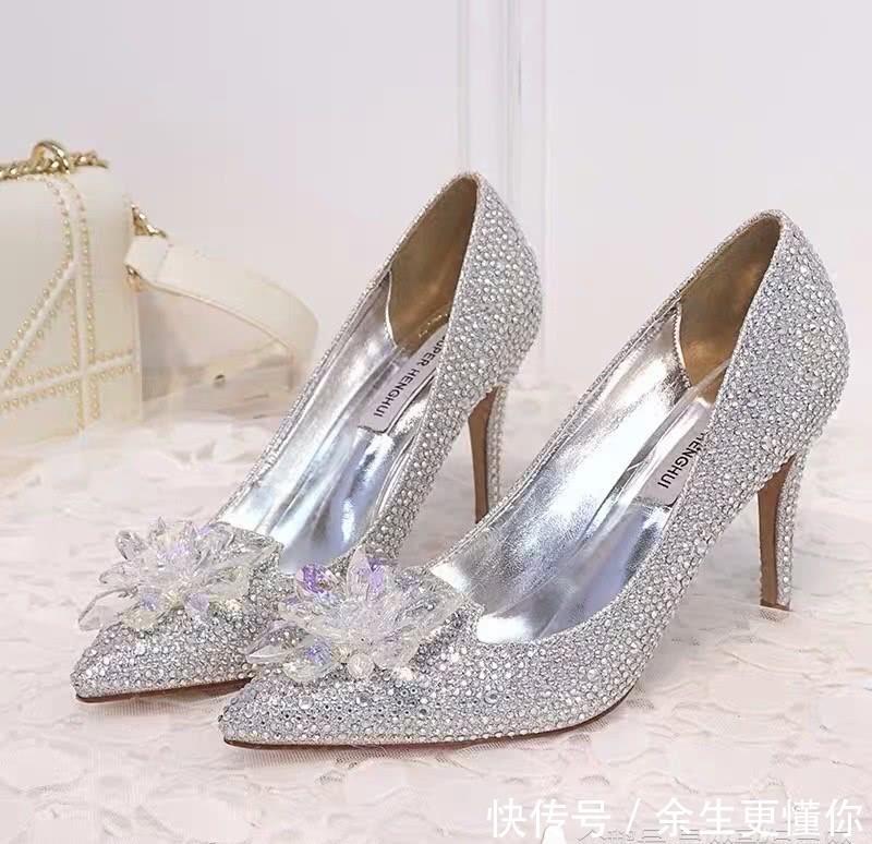 <b>你的生日,TA会送给你哪一双水晶鞋?测他有多担心你跟别人跑了</b>