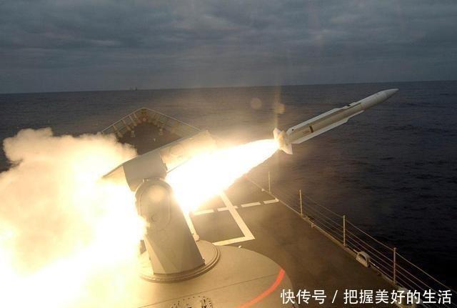 电子干扰系■翼龙无人机大战土耳其战舰,却惨遭舰对空导弹击落,短板太过明显