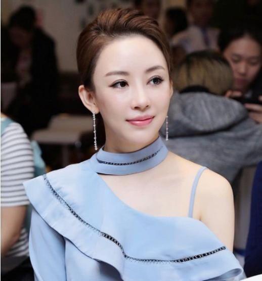 曾靠顏值一夜走紅,身材美貌不輸潘曉婷,26歲卻依然單身 熱點 熱圖4