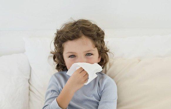 孩子发烧 这些物理降温方法不可取