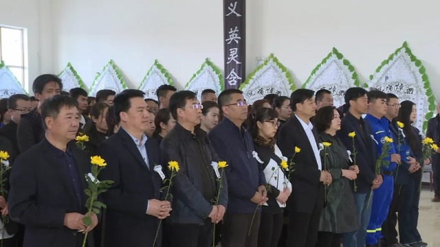 孟兆星烈士悼念活動仍在進行中 群眾自發悼念絡繹不絕