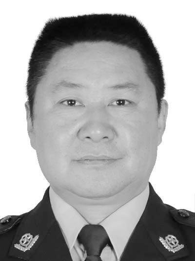 云南55岁民警离世,守岗52天病床上还牵挂春耕生产
