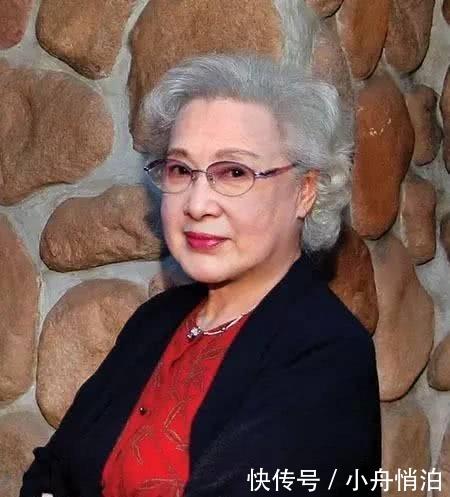 97歲的秦怡長壽還美,但是她卻說,我的人生亂七八