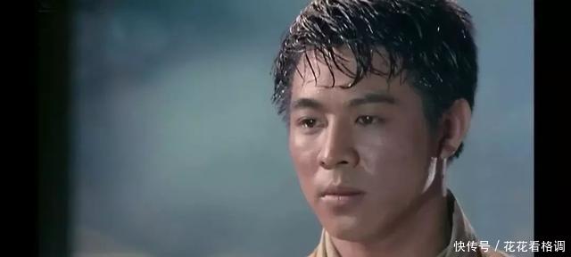 「这部」1989年,李连杰接拍这部功夫片,拍完却被嘉禾雪藏了3年才准上映