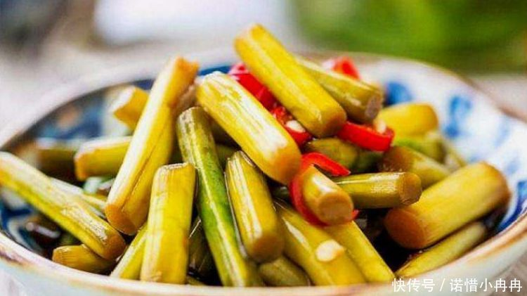 [方法]腌蒜苔,只加盐就错了!外婆教我方法,酸辣脆爽,腌10斤吃3个月