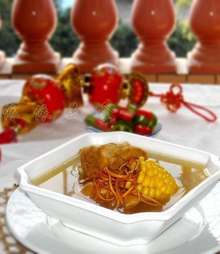 虫草花玉米脊骨汤