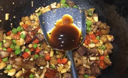 """「入耗油」""""蚝油""""是一开始就放,还是最后放?厨师:弄错了味道会大"""