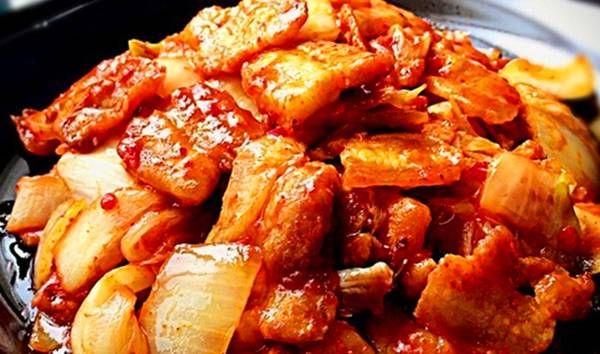 『人口味适当』家常菜,那里的大人和小孩都喜欢它,好吃但不油腻