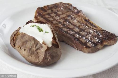 """「牛肉干」营养师告诉你为什么张文宏说旅途上""""牛肉干""""才是真香,几条健康建议送给你"""