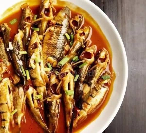 『实用』大厨都是这样做鱼的!做鱼实用的技巧你还不知道?