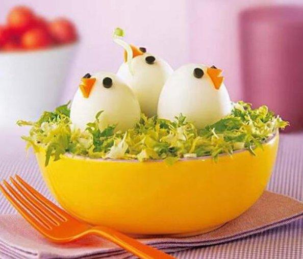 『煮熟的鸡蛋』煮鸡蛋在剥皮的时候,蛋黄的位置看到一个黑点,怎么办?
