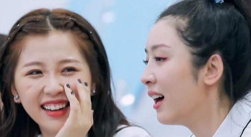 #当中#本以为虞书欣妈妈够漂亮了, 看到赵小棠妈妈, 确定不是孔雪儿?