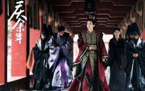 """庆余年:""""女帝""""脱下龙袍后,1米8大长腿格外抢镜,宅男粉沸腾了"""