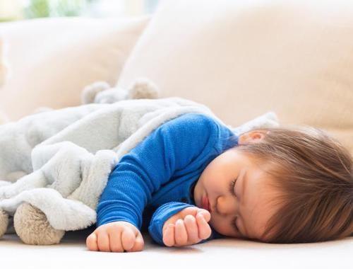 """[生长发育]宝宝骨骼发育""""黄金期"""",父母做好这4点,可助宝宝一臂之力!"""