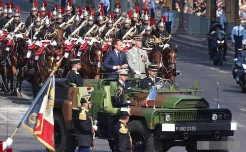 法国总统披露核弹头规模 尼日利亚爆发不明疾病