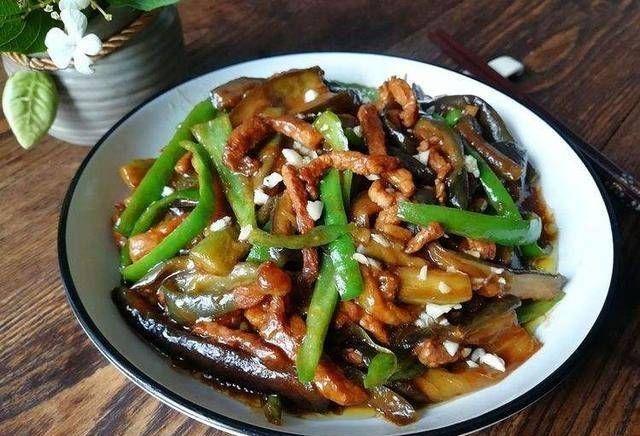 把茄子@三个最受欢迎的家常菜,简单易行,味道很好