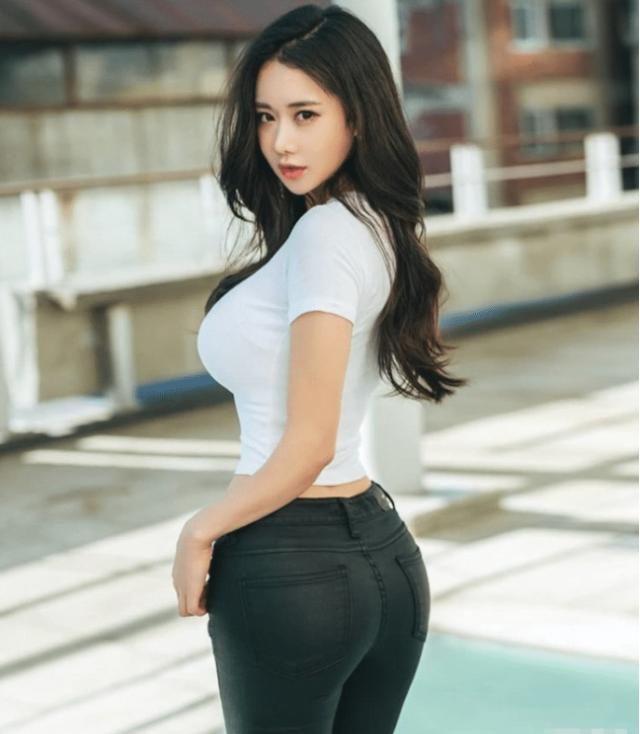 韩国女模Candy火了,颜值一流美到犯规,网友:比卡戴珊都强