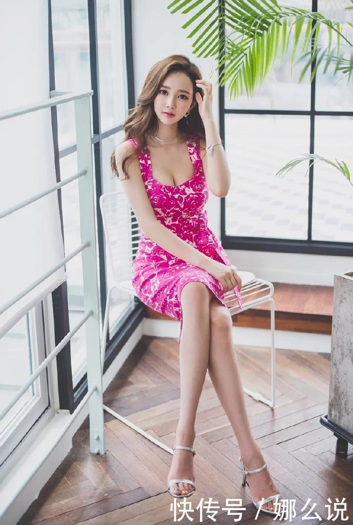 粉红色长裙美女模特写真图集