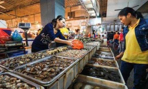 『海边』买海鲜时,海边的人会主动避开这三种,老板:很多人不懂!