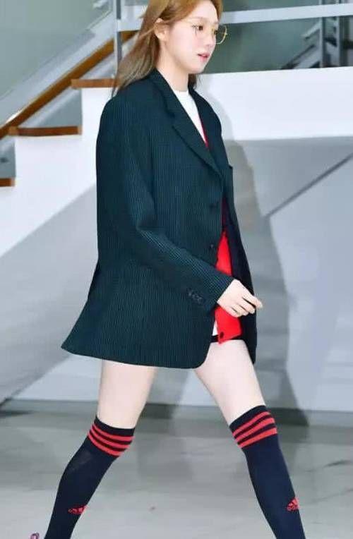 """中国长腿女神和韩国""""腿精"""",虽风格迥异,炸街能力却是一百分!"""