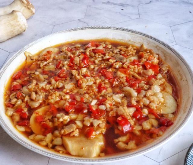 【肉末】剁椒肉末蒸杏鲍菇,口感脆嫩,咸香味美,下饭一级棒