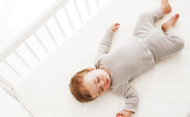 在照顾新生儿的时候 新手妈妈常犯这五个错误 看看你中招了吗