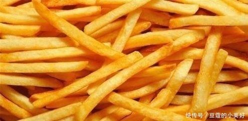 『回软』炸薯条时, 土豆最忌焯水直接炸, 多加这1步, 薯条香脆不回软!
