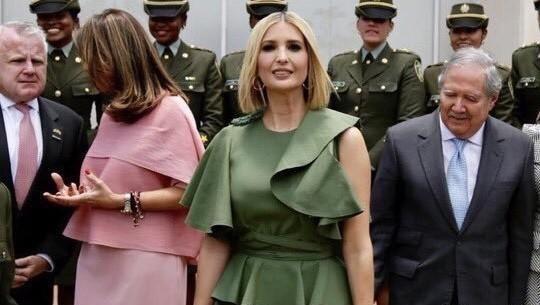 """伊万卡剪短发化身""""美女总裁"""",180cm穿绑带裙蚂蚁腰抢足镜头"""