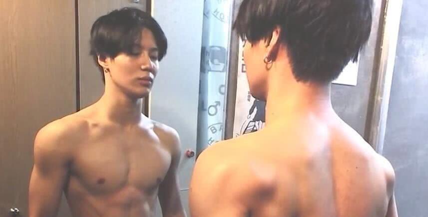 """加了CG一样的肌肉SHINee 李泰民公开""""运动后""""的身材"""