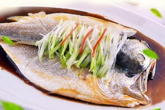 黄花鱼:蒸鱼时,千万别直接下锅,难怪又老又腥