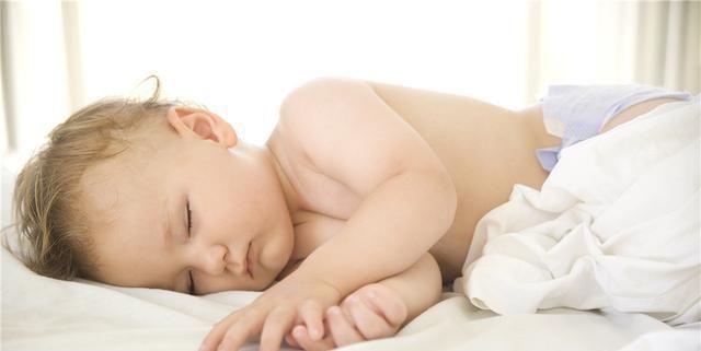 大脑发育@睡觉有这四个习惯的孩子,将来容易长不高,家长们要早点帮忙改正...