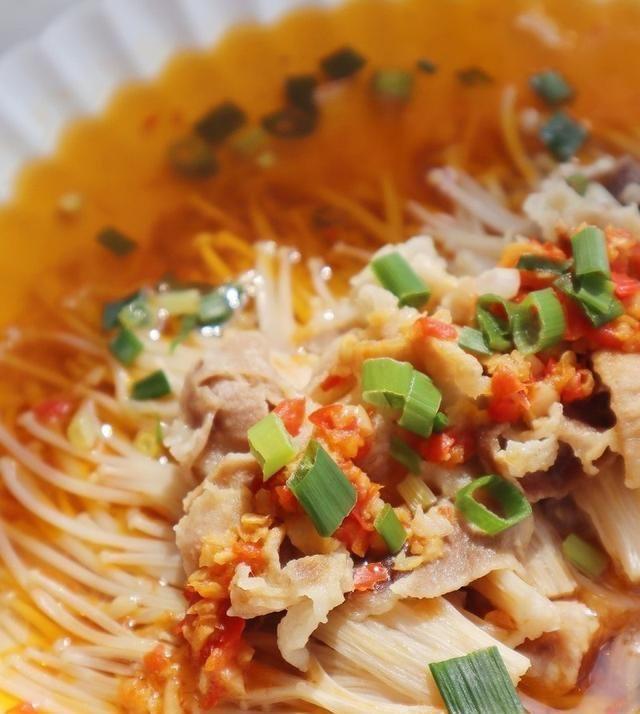 少许:下酒下饭都好吃的培根金针菇,做法也很简单,喜欢吃的快试试