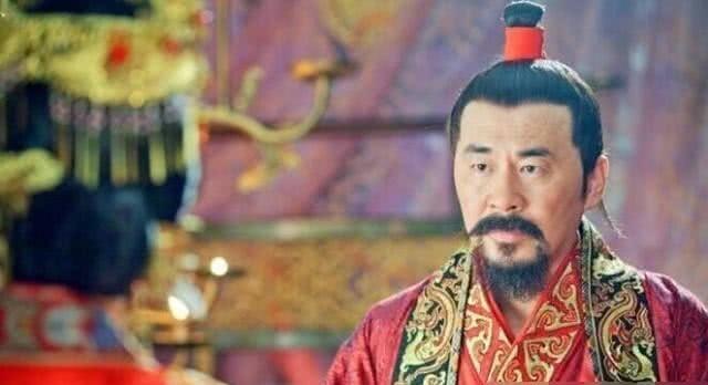皇帝@一孩子跑到龙椅上去玩,皇上:皇帝好做么?孩子回4字,成功继承