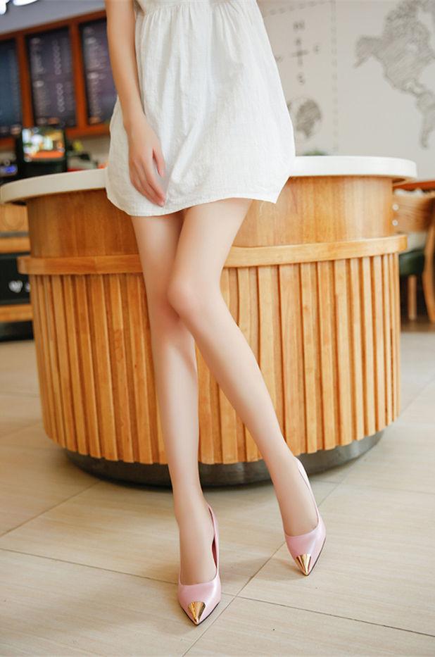 职场优雅女性OL:包臀裙+高跟鞋+丝袜,绽放你的成熟魅力