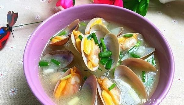 快手汤推荐:简单一煮鲜而不腻,营养丰富清热解毒,一大碗不够喝