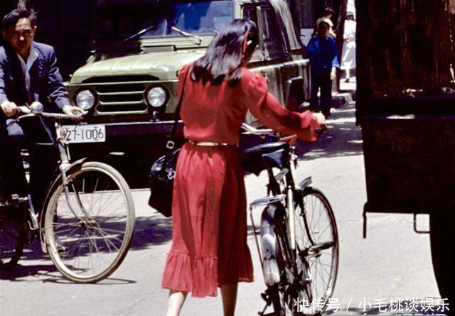 老照片:八十年代的夏日生活街拍