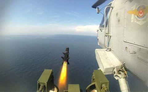 美国火大,土耳其不仅买俄S400,还将美军坦克当