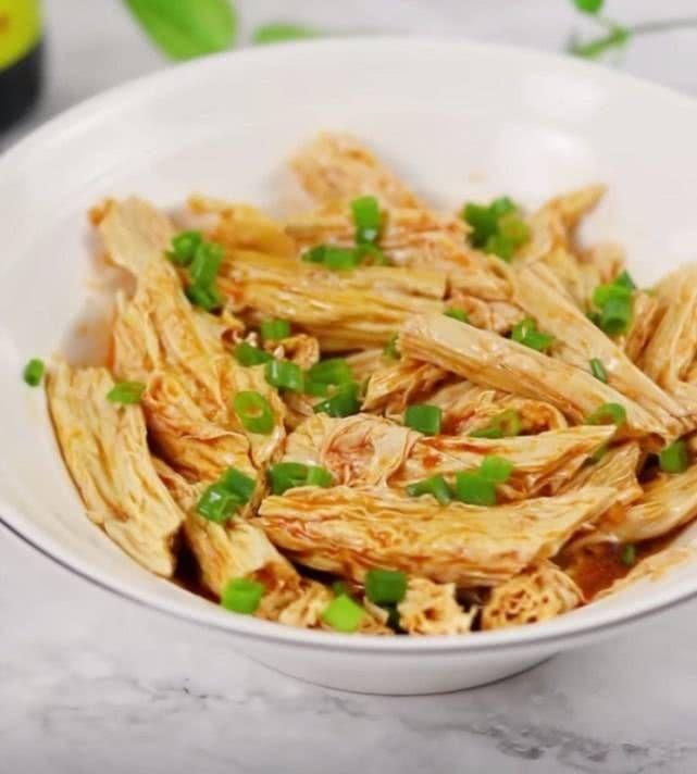 「全家人」接下来的几顿家常菜饭美味可口不油腻,全家人都喜欢吃