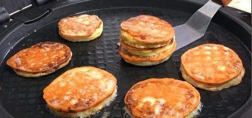 『早餐』我早餐经常如此做,煎一煎5分钟出锅,比油条包子好吃,还简单