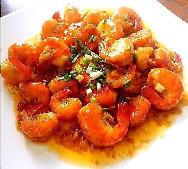 切成小@美食看点:里脊肉炒藕条,酸菜小笋,泰式酸辣虾的做法