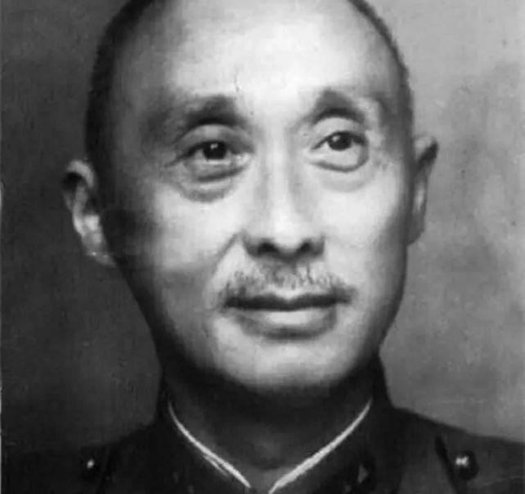 【起义】川军名将主动请缨抗战,解放战争中率4万人起义,晚年病死于狱中